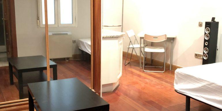 Estudio en Valverde- Malasaña-Universidad- centro- Madrid (4)