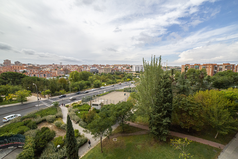 Venta en Avenida El Ferrol – Barrio Del Pilar – Madrid
