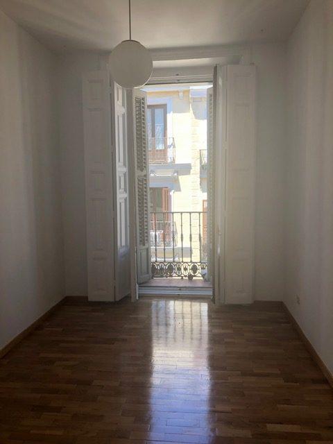 Alquiler Piso en Calle de la Puebla   Malasaña Centro-Madrid